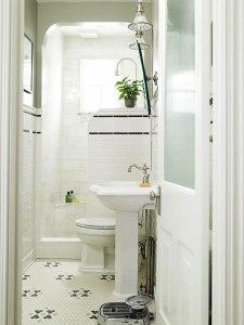 rhodec-small-bathroom